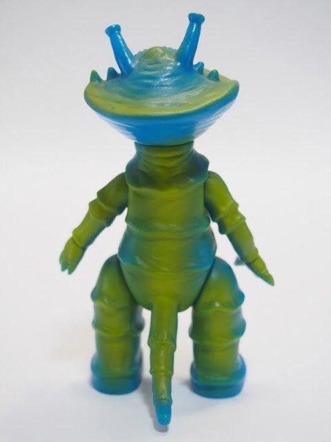ブルマァク魂1 カネゴン – ガシャポンHGシリーズの後姿