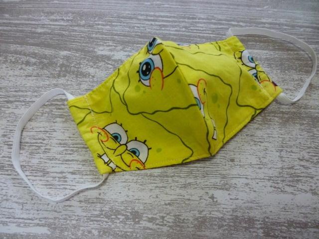 ハンドメイドのスポンジ・ボブ柄の立体マスク
