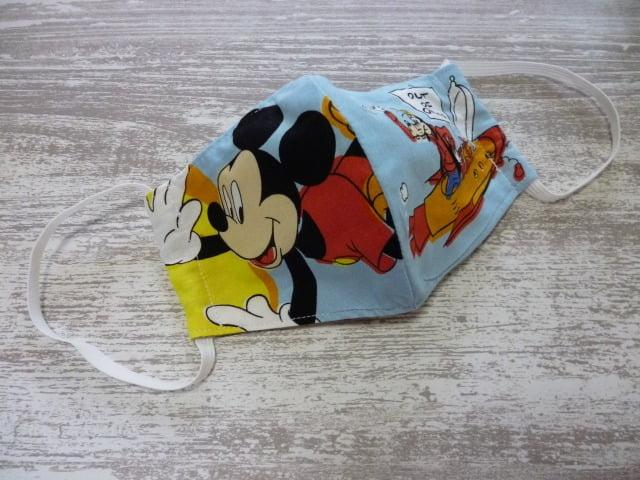 ハンドメイドのミッキーマウス柄の立体マスク