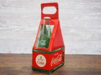 箱に入ったコカ・コーラ ソルト&ペッパー(左側)