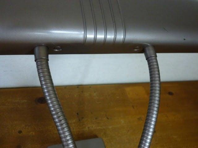 DAZOR デスクライト(MODEL 1000)のアーム裏側