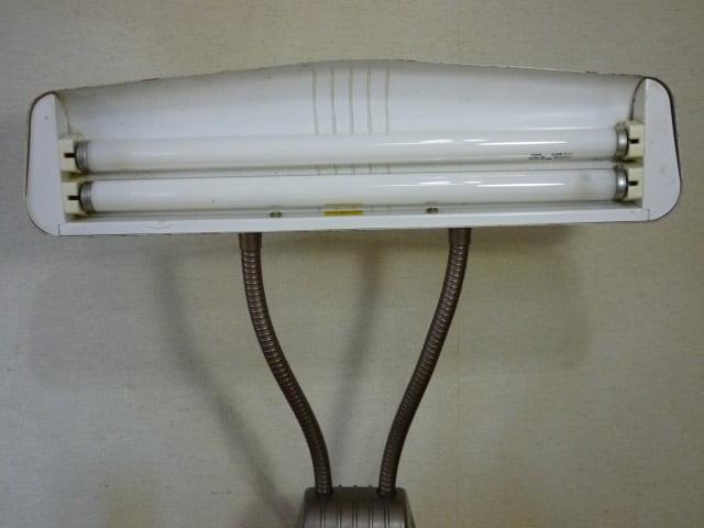 DAZOR デスクライト(MODEL 1000)のライト内側