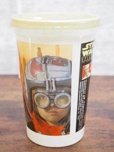 KFC エピソード1キャンペーンのカップ