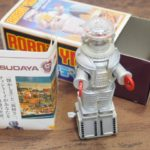 増田屋 ROBOT YM-3 フライディの外箱とフィギュア