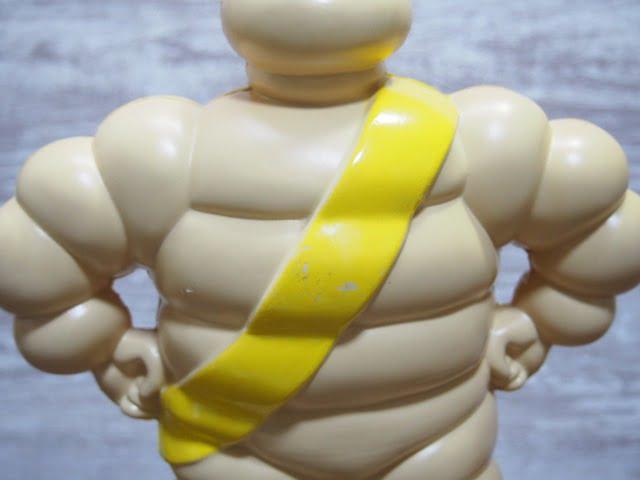 ビバンダム フィギュア(2002)の後側