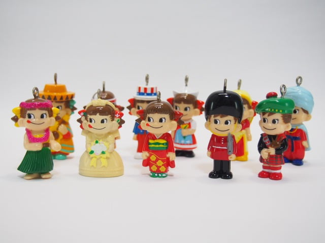 不二家の「ミニミニペコちゃん」のおまけ – 「世界のペコポコ人形」シリーズ 【10種類+シークレットセット】
