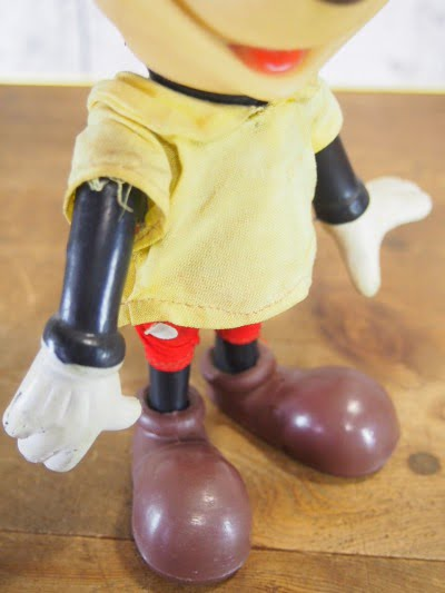 R.DAKIN&CO.のミッキーマウスのフィギアの右手