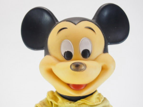 R.デーキン社のミッキーマウスのソフトドールの顔