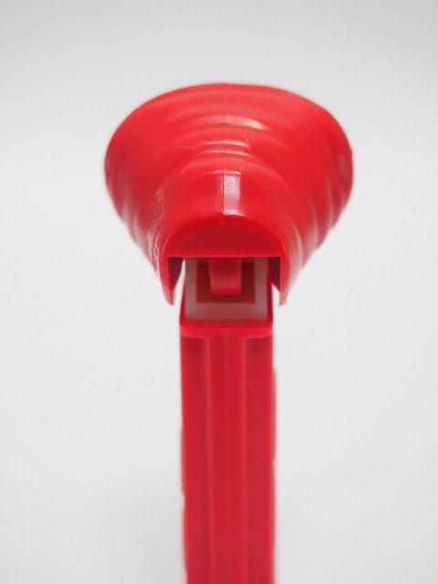 PEZ E.T. 赤フードのヘッド部分後側