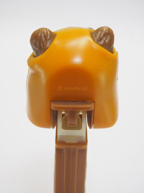 PEZ – Ewok(イウォーク) 1997年製のヘッド後側