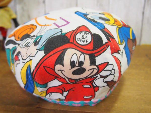ディズニーの柄が可愛いハンドメードのキャスケットの後側