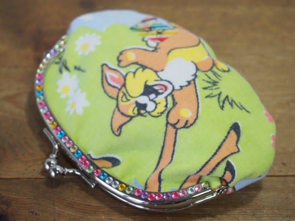 バンビの柄が可愛いハンドメードのがま口の裏側