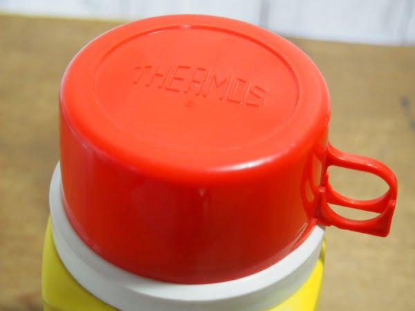 スヌーピー・ランチボックス 73s(THERMOS)に付いている水筒のカップ