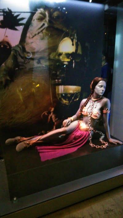レイヤ姫の衣装 – 「スター・ウォーズ アイデンティティーズ:東京」