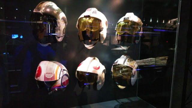 パイロットのヘルメット – 「スター・ウォーズ アイデンティティーズ:東京」