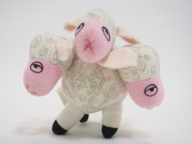 ボー・ピープの羊のヌイグルミ