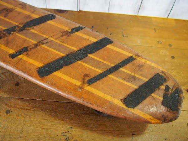 ウッドスケートボードのデッキのテール部分