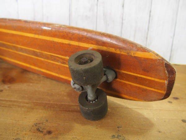 ウッドスケートボードのテール裏面