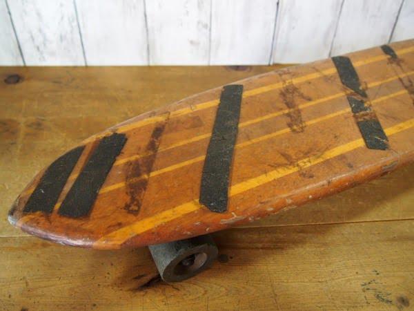 ヴィンテージ ウッドスケートボードのノーズ部分
