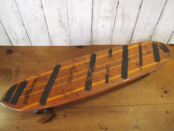 ヴィンテージ ウッドスケートボード