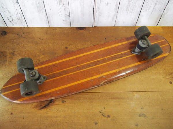 ヴィンテージ ウッドスケートボードの裏面