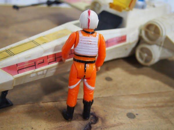 Xウイング・ファイター(Kenner製 1978年)のパイロットのフィギュアの後ろ姿